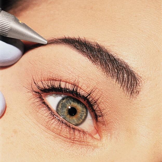 Как дома сделать перманентный макияж бровей