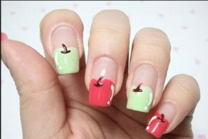Оригинальный «яблочный» маникюр для квадратных ногтей