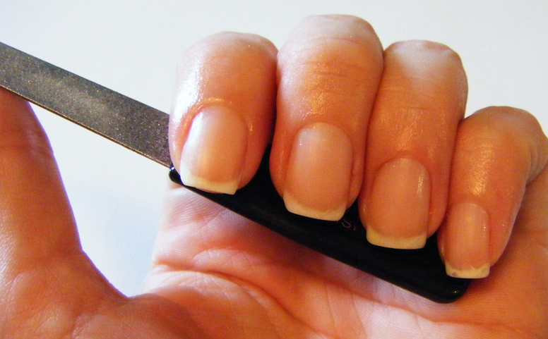 Видео как сделать квадратные ногти в домашних