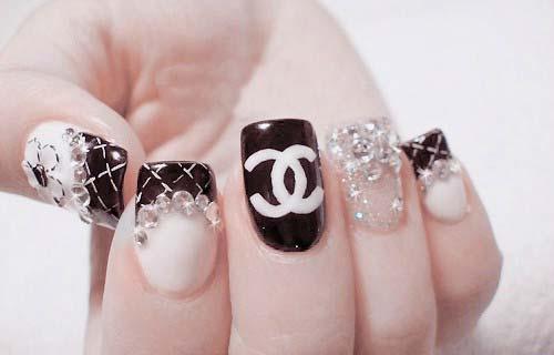 дизайн ногтей с камнями cc