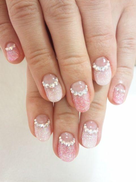 оформление ногтей в нежных цветах