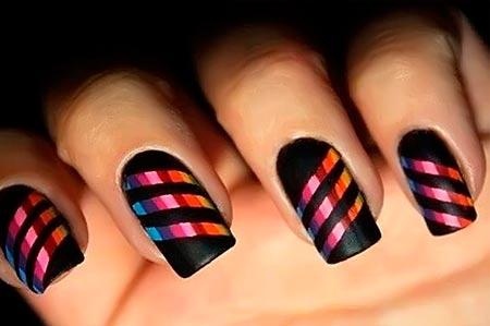 разноцветные полосы на ногтях
