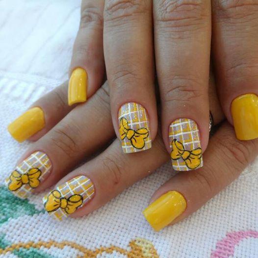 желтый в клеточку с бантиками