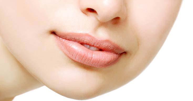 Как заживить трещины на губах 160