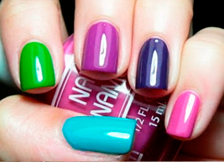 зеленый фиолетовы бирюзовый и розовый маникюр