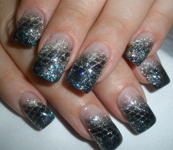 Дизайн нарощенных ногтей может быть