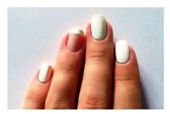 Пошаговое-создание-ярких-полосок-на-ногтях