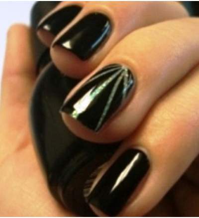 изображение на ногтях лучи