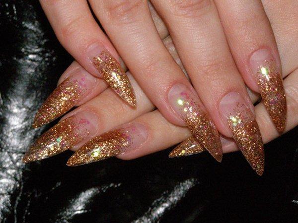 острые ногти с блестками