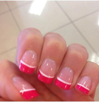 прорисовываем линии на нежно розовом френче