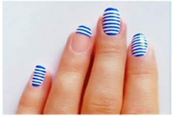 простые-полоски-на-ногтях