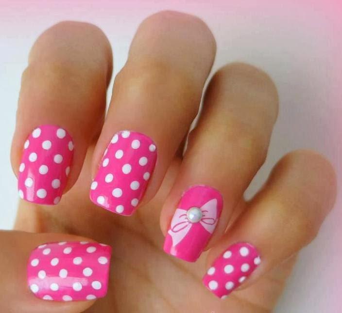 розовый в точку с бантиком дизайн ногтей