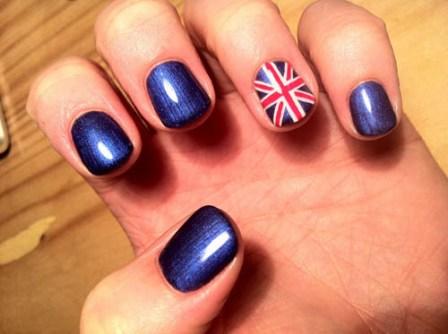 с рисунком британского флага