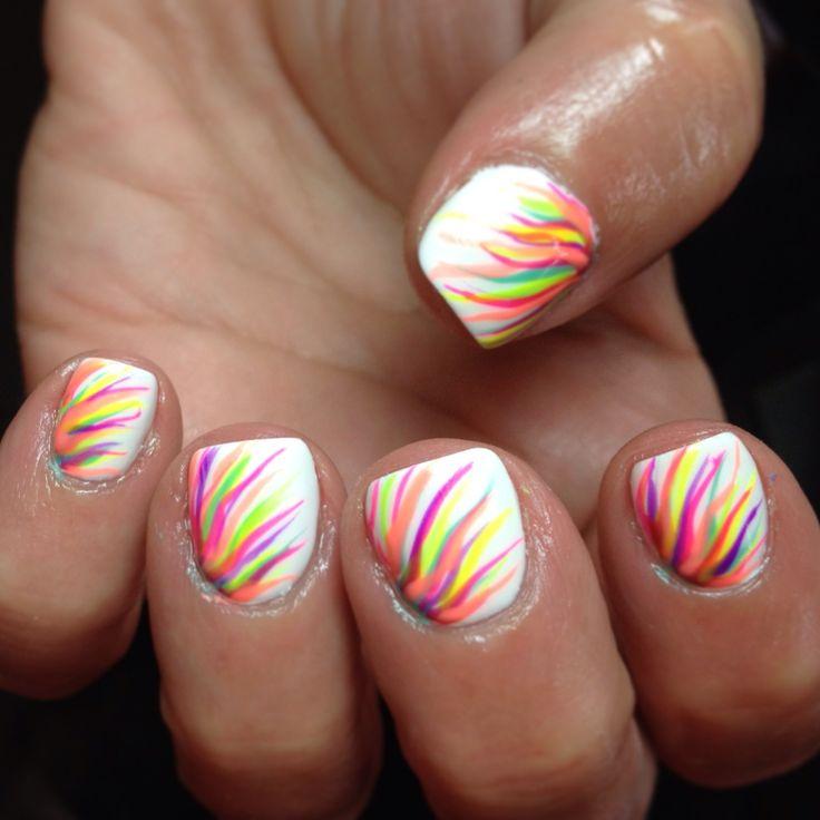 цветное пламя на ногтях