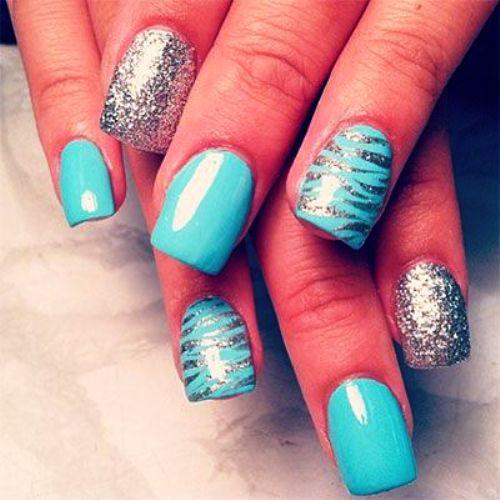 Гелевые ногти бирюзовые с полосами