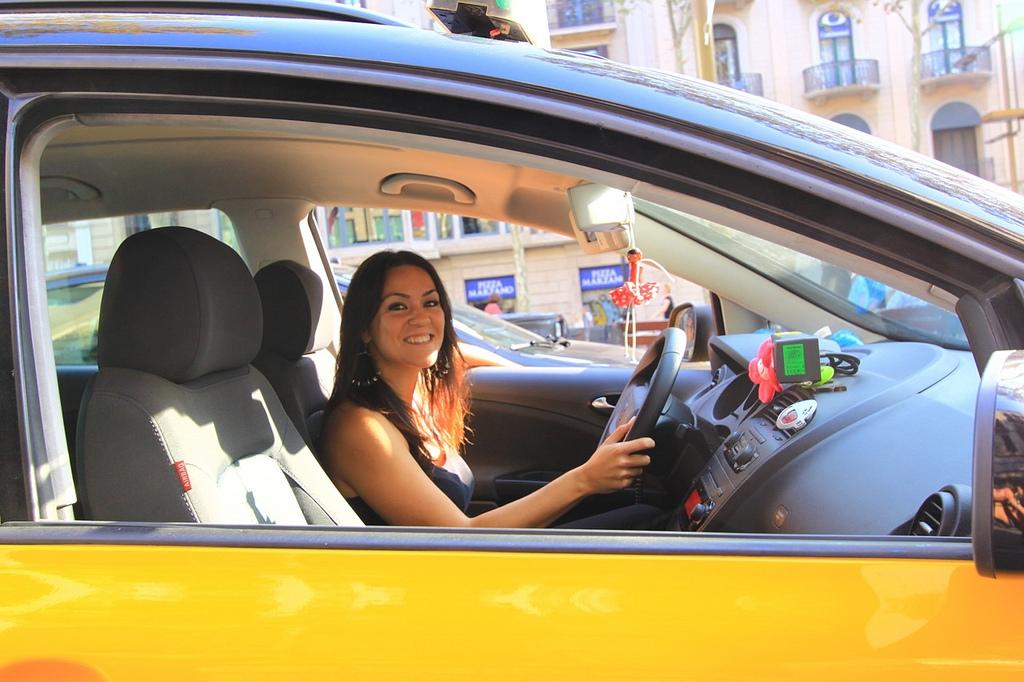 какой бизнес открыть женщине с машиной