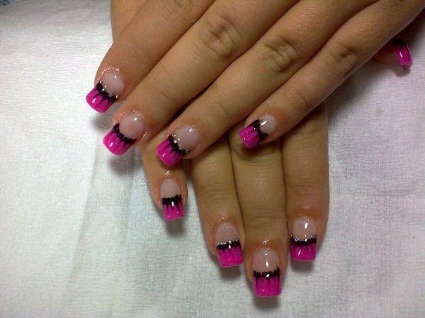 кончик ногтя розовый