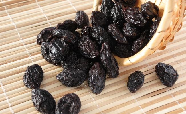 Чернослив полезные свойства и противопоказания