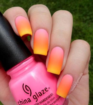 Фото дизайн ногтей с блестками и стразами