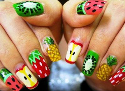 Дизайн с фруктами на ногтях