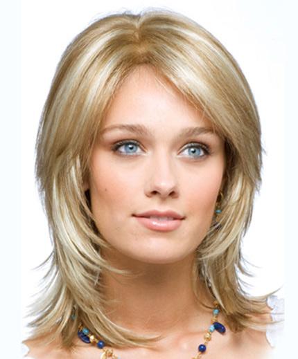 Стрижки на средние волосы рваное каре фото