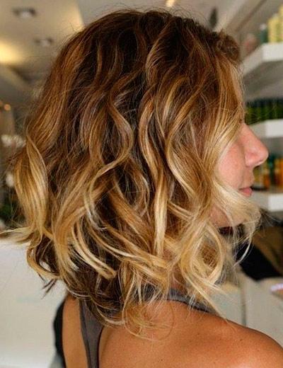 на развивающиеся волосы каре