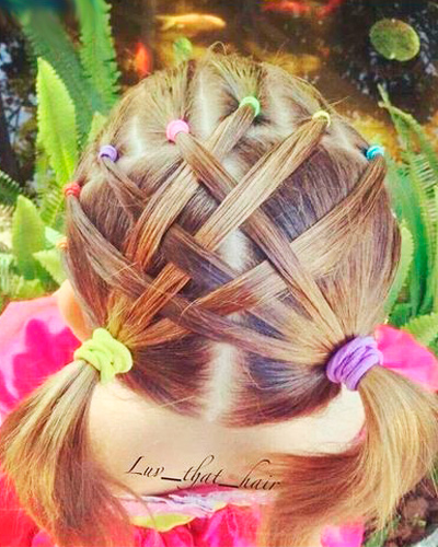 резиночки в волосах