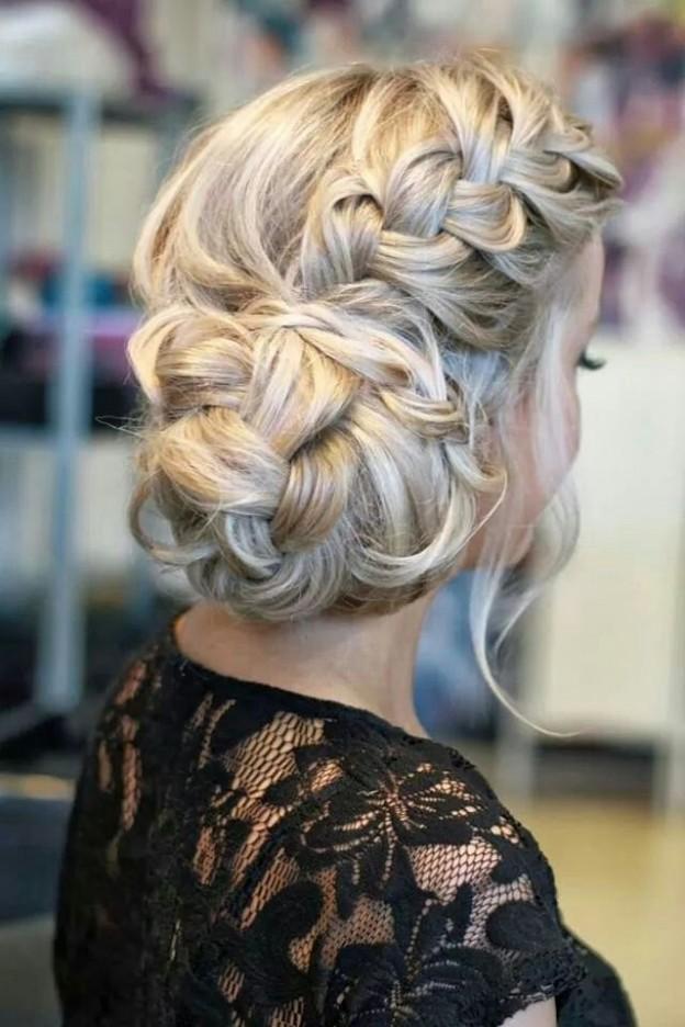 Фото причёска с плетением