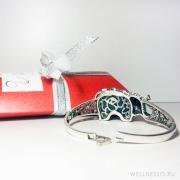браслет с большим слоном в серебре с зеленым