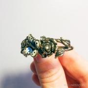 кольцо на два пальца под состаренное золото со стразами