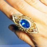 кольцо с большим синим кристаллом