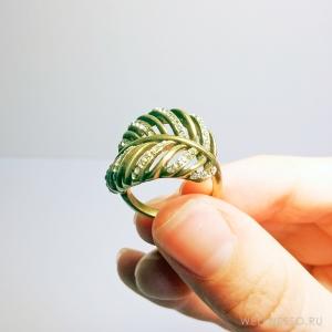 кольцо в виде листа под состаренное золото