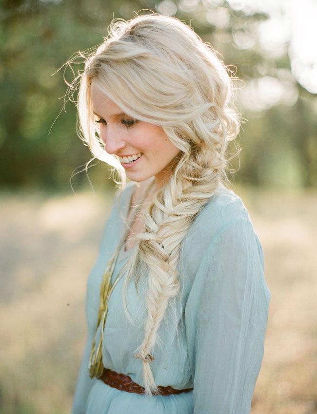 прическа на длинные волосы для блондинки