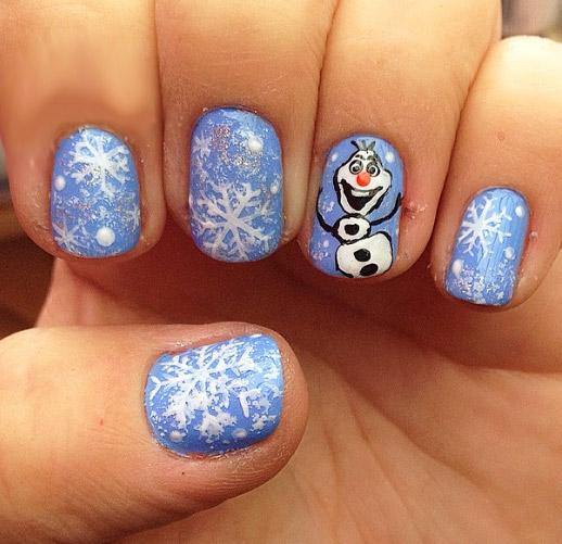 ногти со снеговиками голубые