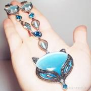 подвеска крупная лиса с голубым камнем под серебро