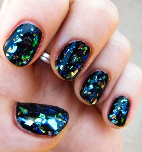 тренд 2016 года ногти в стиле битое стекло черный