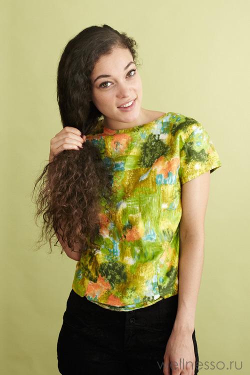 Перекиньте волосы на одну сторону