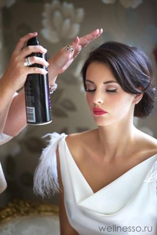 Свадебная прическа с волной сбоку