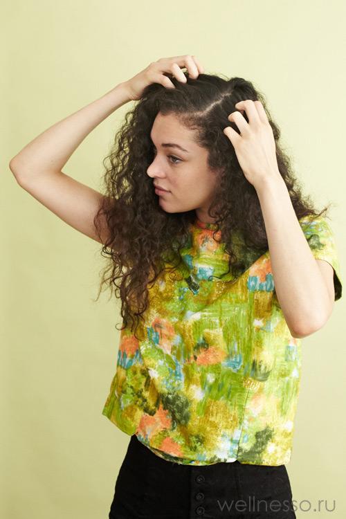 Разделите волосы