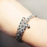 браслет гепард из стали под серебро с кристаллами сваровски